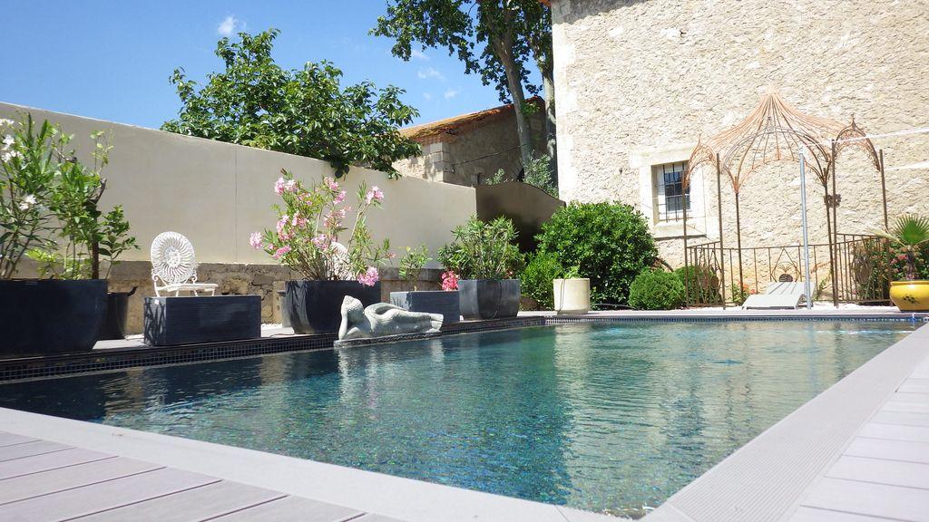 Chapelle rénovée & piscine privée, dans Domaine viticole, proche Canal du midi